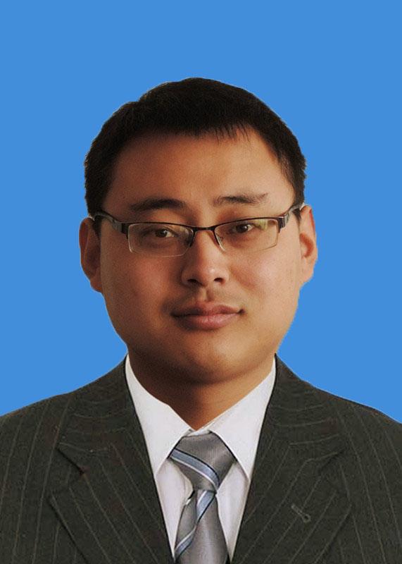 项目管理一部经理  杨长山